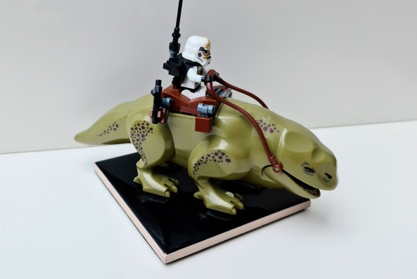 Minifigura Star Wars Stormtrooper montado en dewback